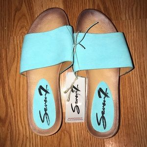 💕 Weekend Sale 💕 Seven7 Light Blue Slides